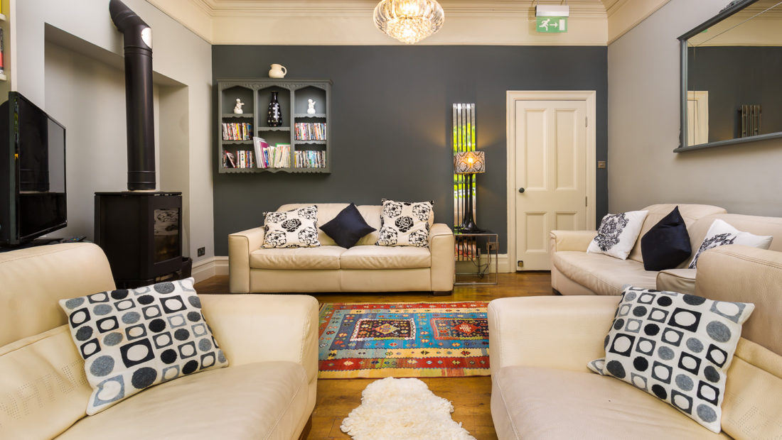 Spacious sitting room